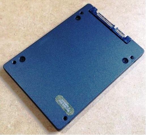 Unidade SSDNow V300 Series Desktop Bundle - SV300S3D7 - 120G